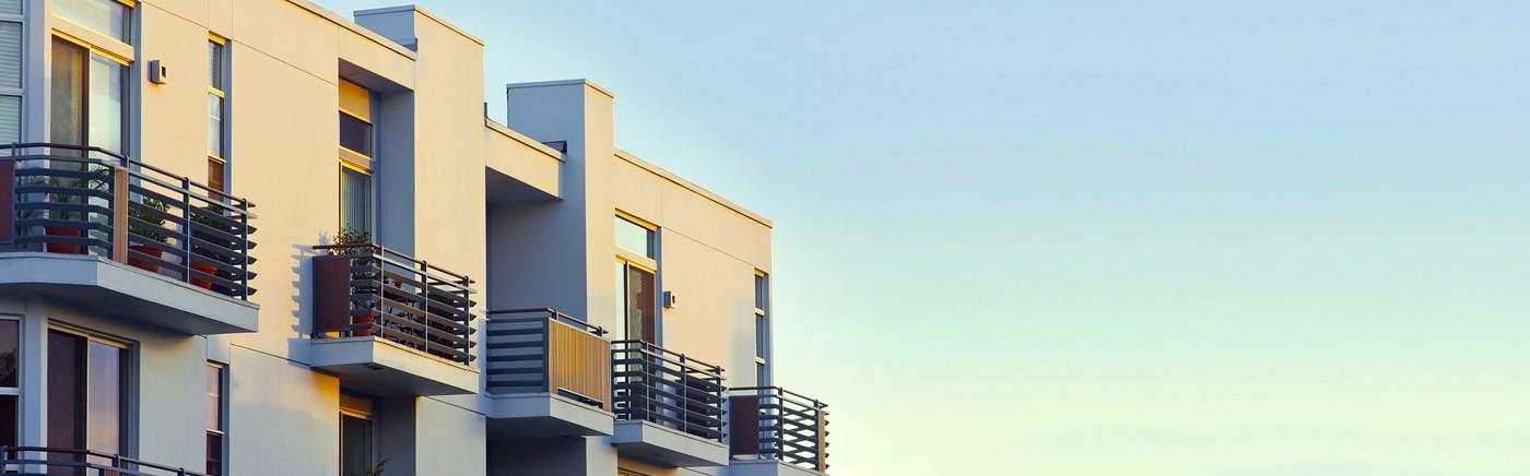apartment-complex-exterior_1400-1400x436